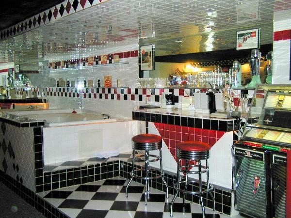 soda fountain in happy days suite ds neil zurcher 39 s one. Black Bedroom Furniture Sets. Home Design Ideas